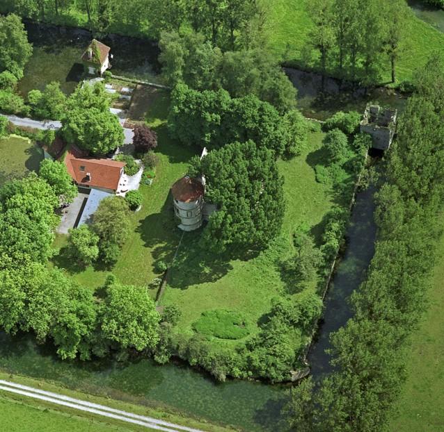 Luftaufnahme der Hauptburg aus westlicher Richtung (Juni 1997, Fotostudio Henke).