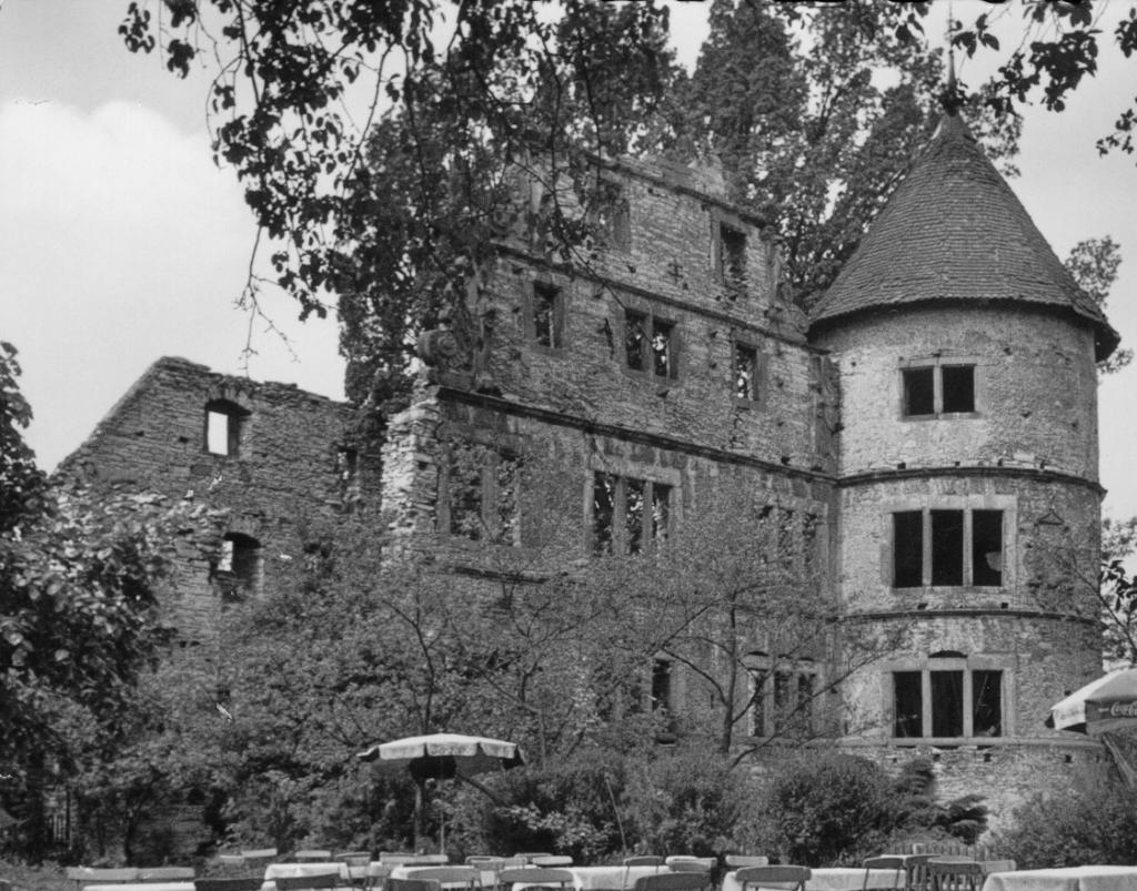 Herrenhaus von Osten betrachtet (ca. 1960).