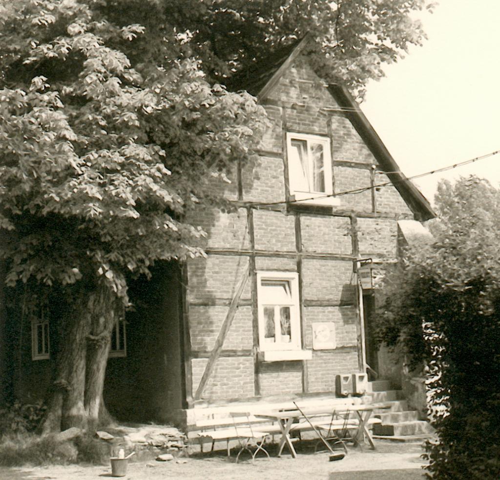 Ehemaliges Torhaus von Süden betrachtet (1975).