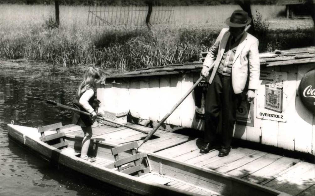 Anton Iseken hilft beim Ausstieg (ca. 1965).