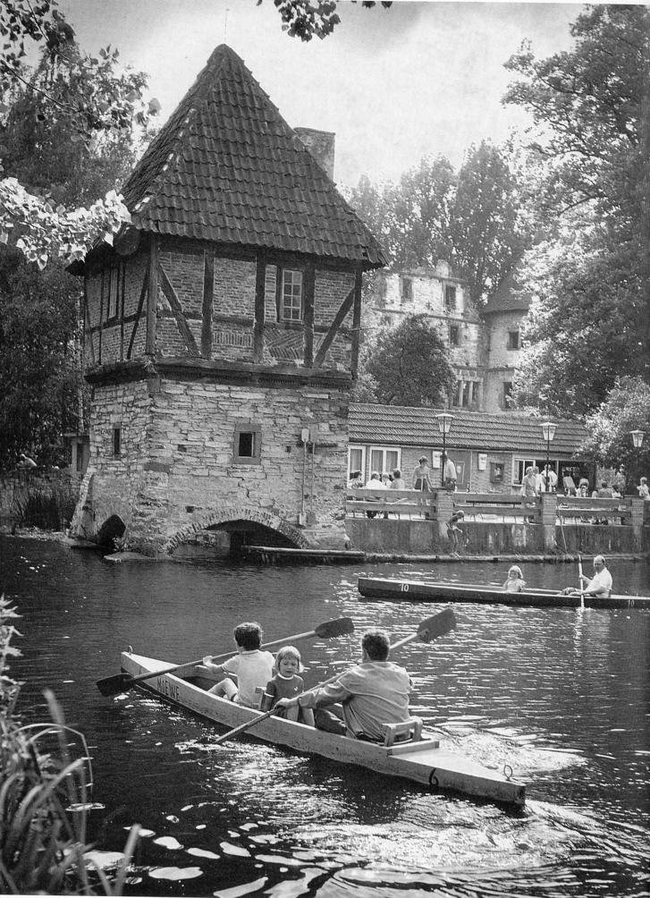 An schönen Sommertagen herrschte reger Paddelbetrieb (ca. 1973).