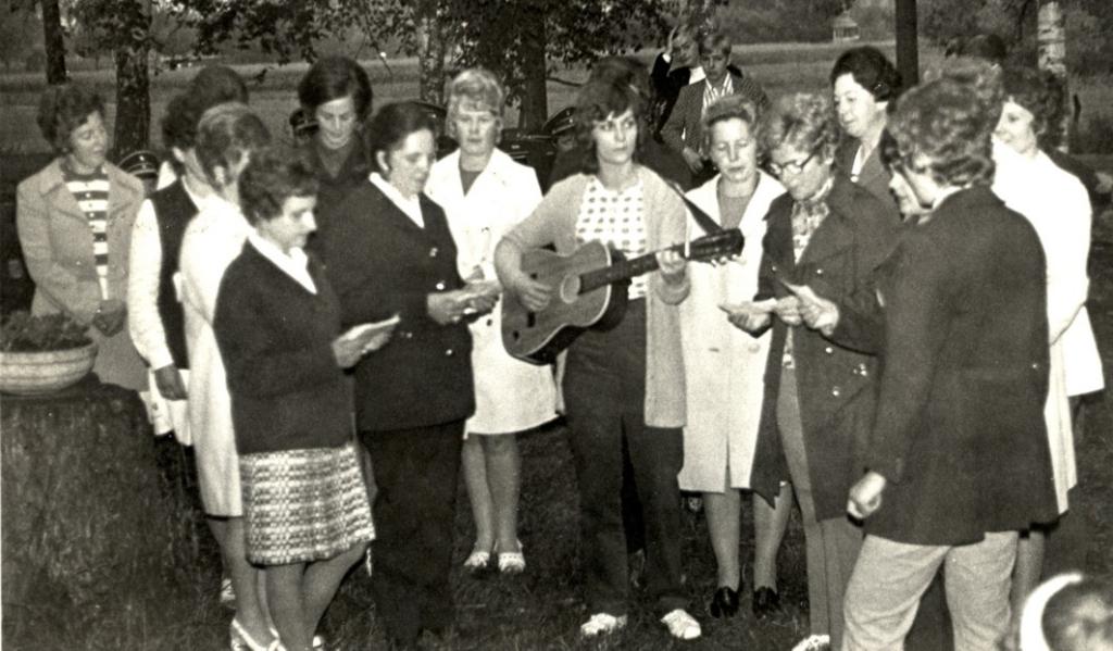 Mit Gitarre und Liederbuch wurde für die musikalische Unterhaltung gesorgt.