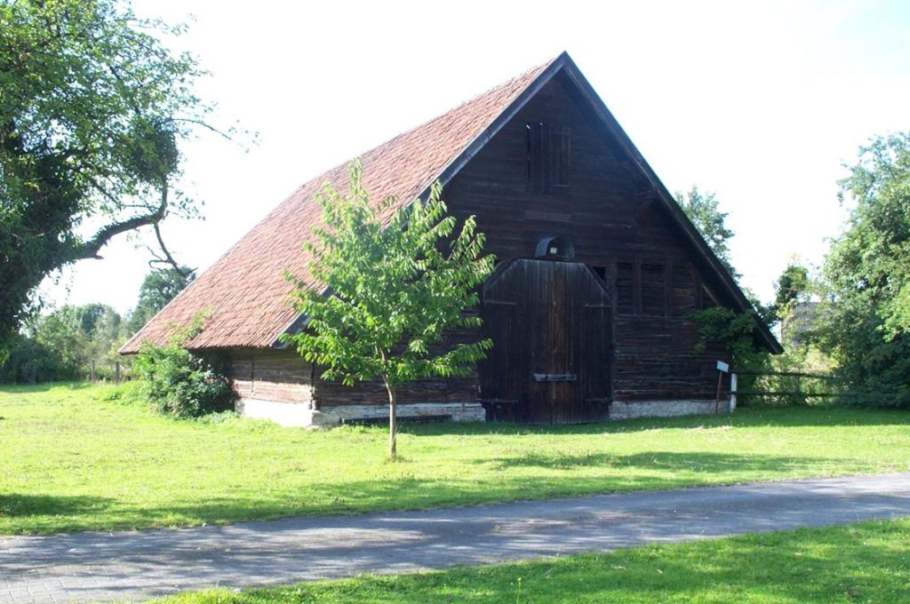 Scheune (2007).